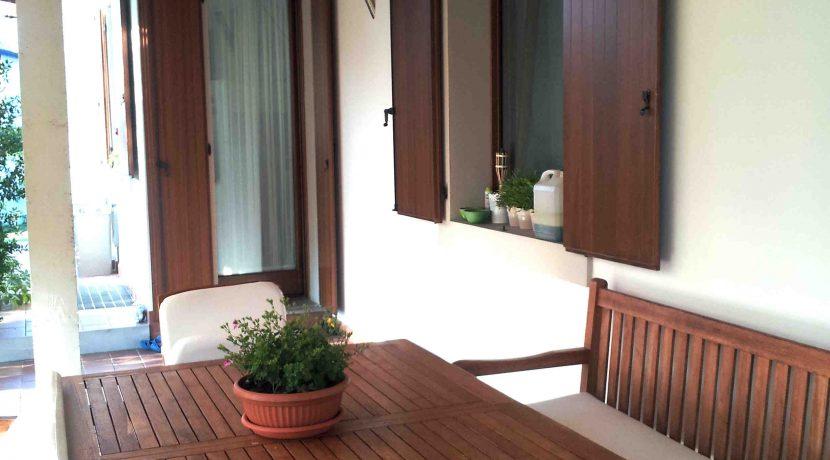 villa singola tricamere con ampio giardino