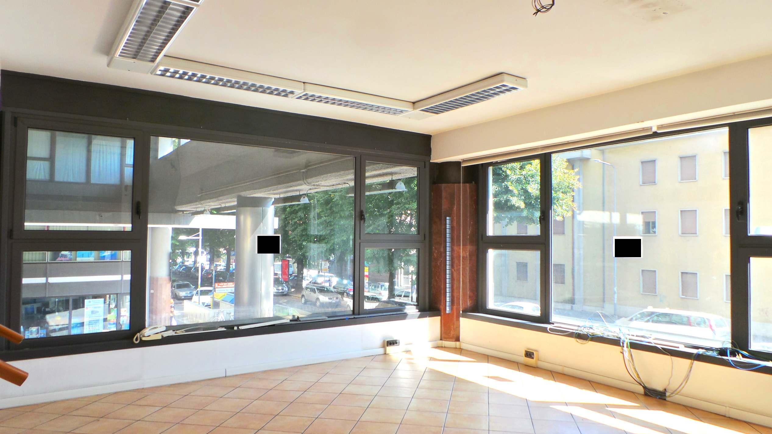 Illuminazione Ufficio Open Space : Ufficio open space 30 mq zona stazione termoatonomo