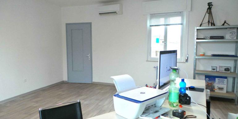 Ufficio in coworking con sala d'attesa