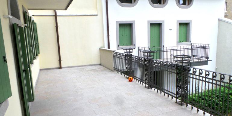 Prestigioso tricamere con terrazzo vivibile e posto auto