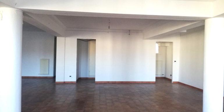 Ufficio di 100mt con vista su Piazza San Giacomo