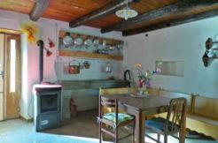 Casa accostata su due livelli con giardinoCasa accostata su due livelli con giardino