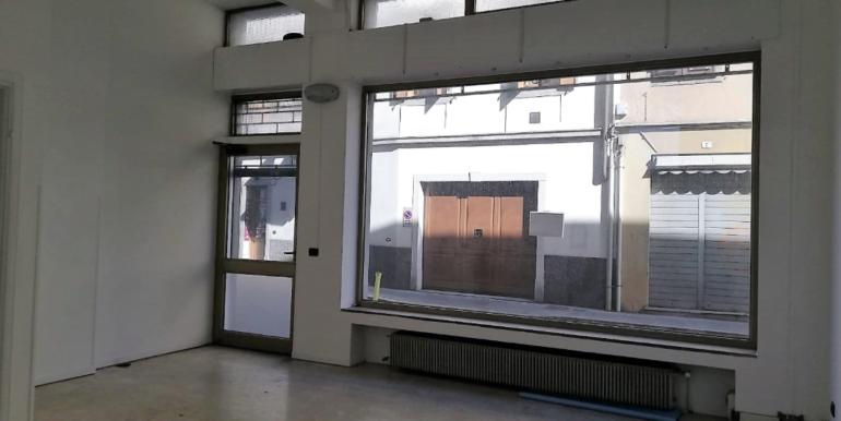 Luminosissimo ufficio a pochi passi Piazza Garibaldi