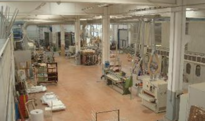 Capannone indipendente industriale con uffici