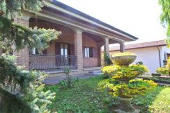 Villa con giardino mansarda e taverna