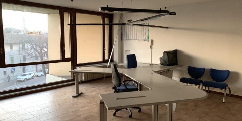 Luminosissimo ufficio di 140mq arredato