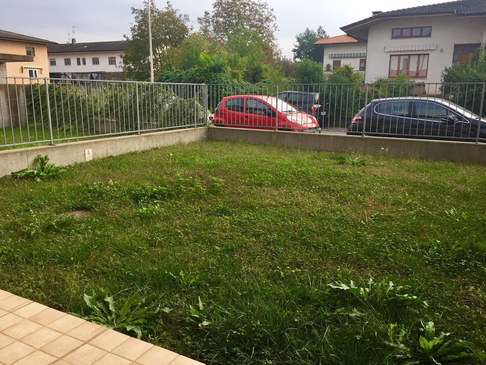 Miniappartamento con giardino arredato