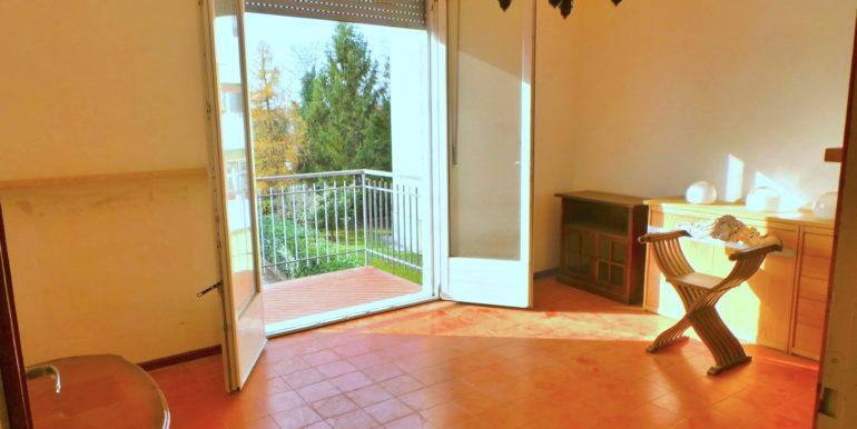 Bicamere con terrazzo e garage