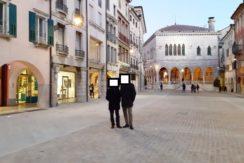 Bicamere con terrazza abitabile in centro storico