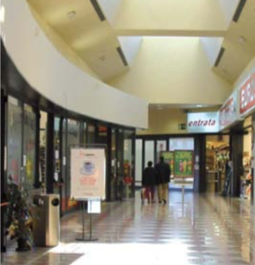 Negozio in centro commerciale