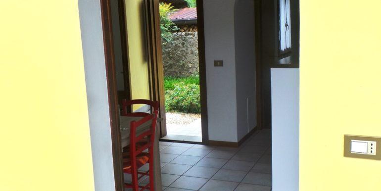 Appartamento bicamere arredato con giardino