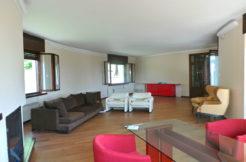 Villa indipendente in collina fra. San Tommaso