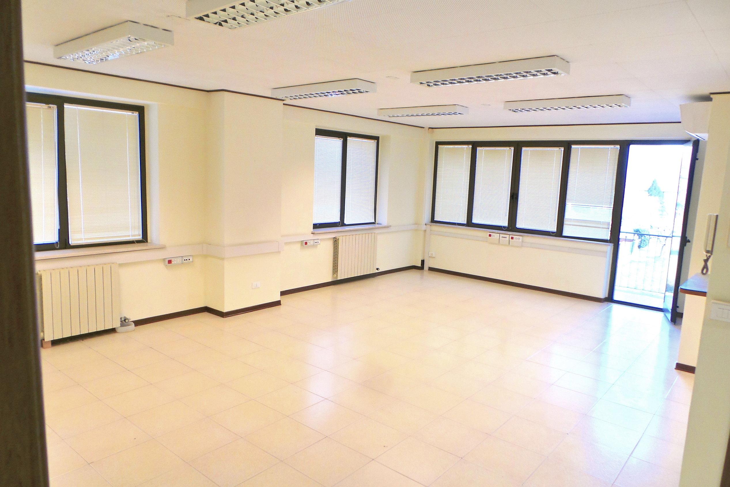 Ufficio con ampi spazi a Gemona Bassa zona centrale